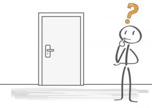 Strichmännchen vor zugefallenen Tür